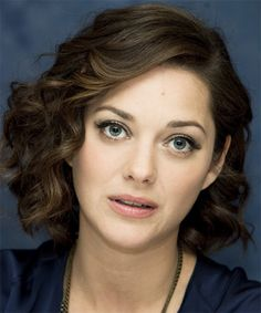 Marion Cotillard Hairstyles | Celebrity Hairstyles by TheHairStyler.
