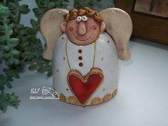 anděl Vendelín Christmas Clay, Christmas Ornaments, Pottery Angels, Ceramic Angels, Salt Dough, Polymer Clay Crafts, Handmade Pottery, Clay Art, Paper Dolls