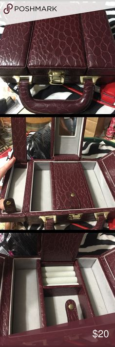 Jewlery travel case Snakeskin look hard case for Jewlery--GREAT for traveling!  6 compartments!! Jewelry