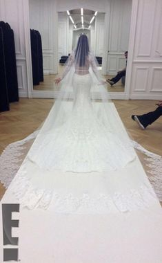 See all the images from the weekend celebrations of the Kim Kardashian West and Kanye West wedding. Long Wedding Dresses, Wedding Suits, Dress Wedding, Trendy Wedding, Wedding Cake, Lace Wedding, Vera Wang, Kim Kardashian Wedding Dress, Kanye West Wedding