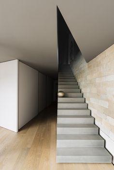 La casa di Chiara & Stefano, maison à Varèse en Italie par duearchitetti