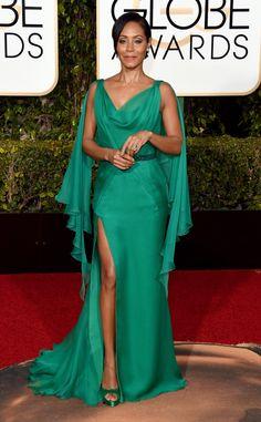 Le energie Acqua, Fuoco e Legnoo si sposano perfettamente in questo abito indossato da Jada Pinkett Smith ai Golden Globes 2016! Conosci quali abiti rafforzano le tue energie naturali? Se vuoi scoprirlo ti aspetto qui: http://www.elisascagnetti.com/feng-shui-fashion-styling/