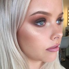 """➕MIA CONNOR - MAKEUP ARTIST➕ on Instagram: """"F R I Y A Y ✔️ I have a big next couple of days getting you babes ready for all your Xmas patyayyyys and events! #getmia'd #norestformuas #lovemyjob #miaconnor #nofilternoproblem For all bridal, events and photoshoot enquiries email mia@miaconnor.com Featuring the glowing @sophieharrison__ wearing @anastasiabeverlyhills on the brows and @crownbrushaustralia #35neutralpalette on the eyes #crownbrushaustralia ❤️"""""""