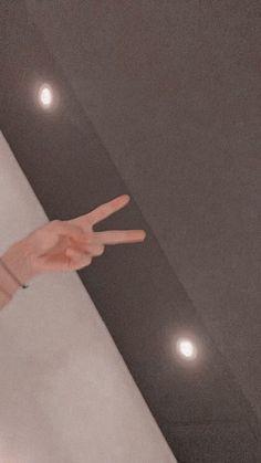 Foto Bts, V Bts Cute, Vkook Memes, V Bts Wallpaper, V Taehyung, Namjoon, Bts Chibi, Bts Lockscreen, Bts Pictures