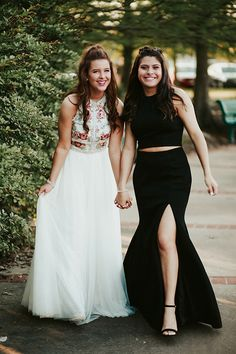 Prom Picture Poses, Prom Pictures, Bridesmaid Dresses, Wedding Dresses, Formal Dresses, Couples, Fashion, Women, Amor