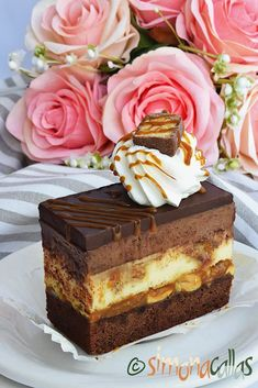 Snickers Cheesecake, Cake Recipes, Dessert Recipes, Delicious Deserts, Romanian Food, Food Cakes, Cheesecakes, Vanilla Cake, Caramel