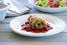 Skinny Lasagna Rolls are perfectly proportioned, filled with delicious, traditional Italian ingredients including flavorful herbs and spices. Dinners Under 500 Calories, Low Calorie Dinners, Low Calorie Recipes, Healthy Dinners, 300 Calories, Clean Dinners, Ww Recipes, Skinny Recipes, Cooking Recipes
