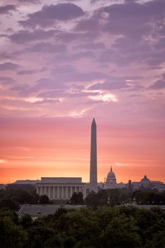 7 Magical Sunrise Spots to Photograph in Washington DC Update] Washington Things To Do, Washington Dc Travel, Pictures Of Washington Dc, Georgetown Washington Dc, Costa Leste, Dc Photography, Portrait Photography, Wedding Photography, Dc Monuments