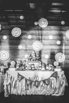 Classic shabby chic wedding with sweet details  |  The Frosted Petticoat