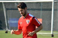 À vontade, Osorio pede intensidade em treino com Ceni na linha; Pato volta #globoesporte