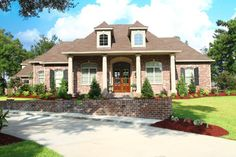 Traditional Homes Design, Pictures, Remodel, Decor and Ideas
