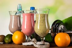 Separei receitas de 2 vitaminas refrescantes para vocês fazerem no verão.