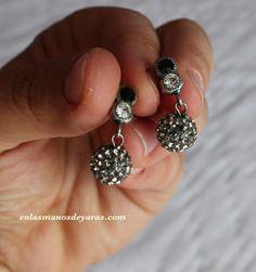 Pendientes de cristal de swarovski Bisutería personalizada http://enlasmanosdeyaras.com/