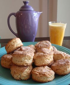 Whipping Cream Biscuits - http://secretrecipes.co/whipping-cream-biscuits/