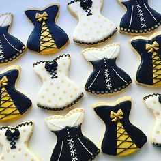 You are in the right place about bachelorette party destinations Here we offer you the most beautiful pictures Bachelorette Party Pictures, Bachelorette Party Cookies, Yummy Cookies, Sugar Cookies, Lingerie Cookies, Bolacha Cookies, Wedding Cookies, Wedding Favors, Girls Party