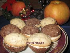 Dvojfarebné orechy • Recept | svetvomne.sk Deserts, Muffin, Potatoes, Sweets, Cookies, Vegetables, Breakfast, Cake, Basket