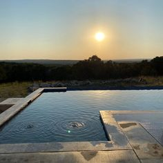 Best sunsets are over swimming pools. Pool Ideas, Backyard Ideas, Leisure Pools, Pool Contractors, Casas Containers, Fiberglass Pools, Best Sunset, Pool Designs, Sunrises