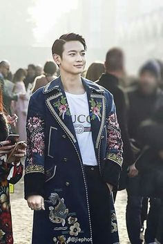[170222] Choi Minho in an embroidered velvet coat, Gucci logo T-shirt, wool pants and Horsebit loafers.