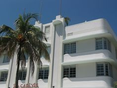 miami 11 Curved Lines, Decay, Miami, Curves, Florida, Urban, Mansions, House Styles, Home Decor
