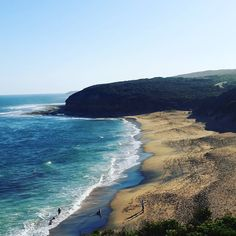 Bells beach  #greatoceanroad #bellsbeach #pointbreak #victoria #surf #bestsurf #waves #beach #australia #wanderlust by ali_eeekin http://ift.tt/1KnoFsa