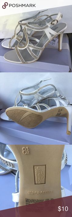 Gorgeous stone heels Gorgeous stone heels. Make that special day an UNFORGETTABLE MOMENT. Size is women's 8 1/2. Unforgettable Moments Shoes Heels