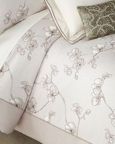 Shop Orchid Full/Queen Duvet and Ma Thread Counthing Items from Michael Aram at Horchow, where you'll find new lower shipping on hundreds of home furnishings and gifts. Linen Duvet, Bed Styling, Flat Sheets, Luxury Bedding, Metal Working, Orchids, Duvet Covers, Queen, Black Bedrooms