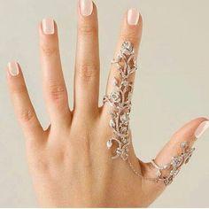 Pretty. Looks like YEPREM jewelry.