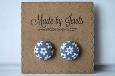 New to jewlswashere on Etsy: Fabric Covered Button Earrings - Daisy Dot - Buy 3 get 1 free (6.00 USD)