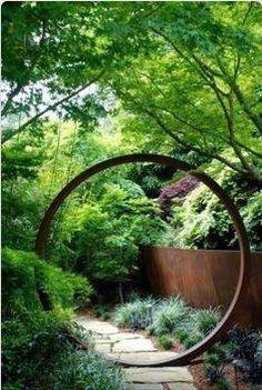 circular arbor