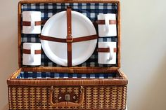 vintage picnic basket Beach Picnic, Summer Picnic, Vintage Picnic Basket, Picnic Baskets, Company Picnic, Red Gingham, Blue Fabric, Kitchenware, Holiday Crafts