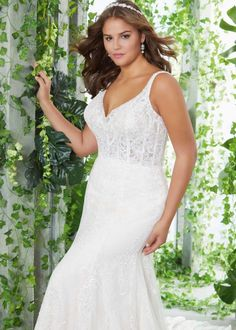 Trouwjurk Morilee 3253 Phoebe Crystal Wedding Dresses, Bridal Wedding Dresses, Bridal Lace, Wedding Dress Styles, Plus Size Brides, Plus Size Wedding Gowns, Bridesmaid Dresses Online, Wedding Dress Pictures, Wedding Photos