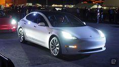 Tesla ya acepta pedidos del Model 3 de clientes que no sean empleados http://www.charlesmilander.com/noticias/2017/11/tesla-ya-acepta-pedidos-del-model-3-de-clientes-que-no-sean-empleados/es Como ganar dinero en las redes sociales? clic http://amzn.to/2hgd6Me