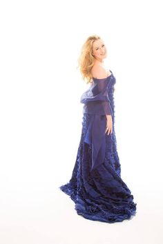 Diana Damrau Opera Singers, Divas, Costumes, Female, Formal Dresses, Unique, Legends, Fat, Stars