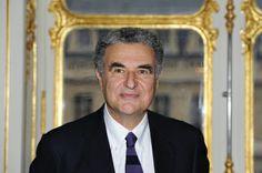 Serge Toubiana est une figure du cinéma français. Immense cinéphile devant l'éternel, il est depuis 11 ans le directeur de la Cinémathèque f...