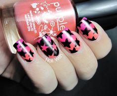 Nail Wish: Esmaltes Purple Professional.  Stars nail art.