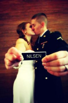 Great photo-op at an #ArmyWedding!