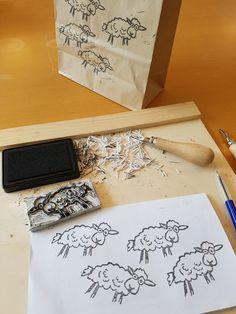 Schapen gutsen #herdersfair Mobile Art, Kitchen Art, Container, Gift Wrapping, Gifts, Ideas, Butcher Paper, Presents, Favors