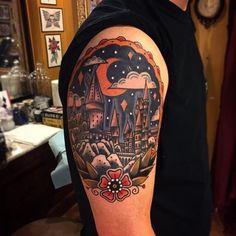 Nothing looks quite as beautiful as #Hogwarts at night. This #tattoo was done by…