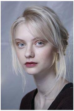 Pale Blonde, White Blonde, Light Blonde, Nastya Kusakina, Female Character Inspiration, Poses References, Portraits, Hair Reference, Human Body