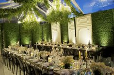 Modern or rustic, glamorous or timeless, we collected the most amazing receptions to inspire you to create your perfect wedding celebration.