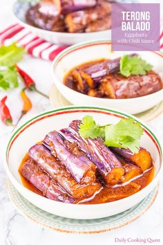 Hot and spicy terong balado (eggplants with chili sauce) just like the one you get in a decent Padang restaurant. Vegetable Side Dishes, Vegetable Recipes, Vegetarian Recipes, Healthy Recipes, Veggie Food, Chili Sauce Recipe, Sauce Recipes, Punch Recipes, Asian Recipes