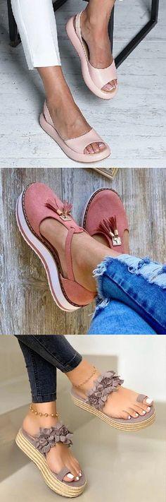 Womens Shoulder bags – High Fashion For Women Cute Shoes Flats, Cute Sandals, Pretty Shoes, Me Too Shoes, Casual Shoes, Shoes Sandals, Beautiful Shoes, Look Fashion, Fashion Shoes