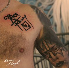 Turned this #KISS autograph into a tattoo. Signed by #AceFrehley himself hours before :)  Kenn Skogli  #kennskogli