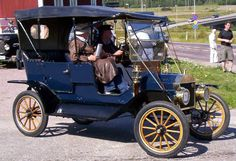 File:1911 Ford Model T Touring CLY148 2.jpg