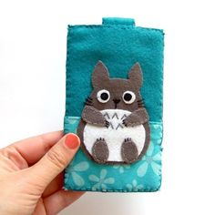 Imagen vía We Heart It https://weheartit.com/entry/36364305 #adorable #anime #case #cute #diy #handmade #iphone #merchandise #totoro #wehearit #phonecase