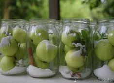 apple compote for the winter - przepis ze Smaker. My Favorite Food, Favorite Recipes, Types Of Desserts, Polish Recipes, Cookie Desserts, Diy Food, I Love Food, Superfood, Fall Recipes