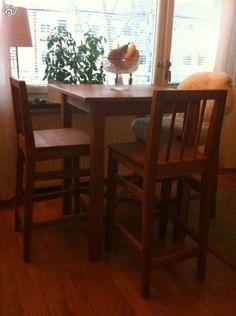 Barbord med 4 stolar