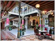 JULES BLOGS HERE: A taste of Peranakan decor