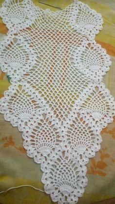 Crochet Crafts, Crochet Doilies, Easy Crochet, Crochet Lace, Diy Crafts, Doily Patterns, Crochet Patterns, Crochet Table Runner Pattern, Pineapple Crochet