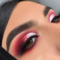 21 Stunning Makeup Looks for Green Eyes Makeup Looks For Green Eyes, Makeup Eye Looks, Makeup For Green Eyes, Red Eyeshadow Look, White Eyeshadow, Makeup Eyeshadow, White Eye Makeup, Eye Makeup Cut Crease, Make Up Videos